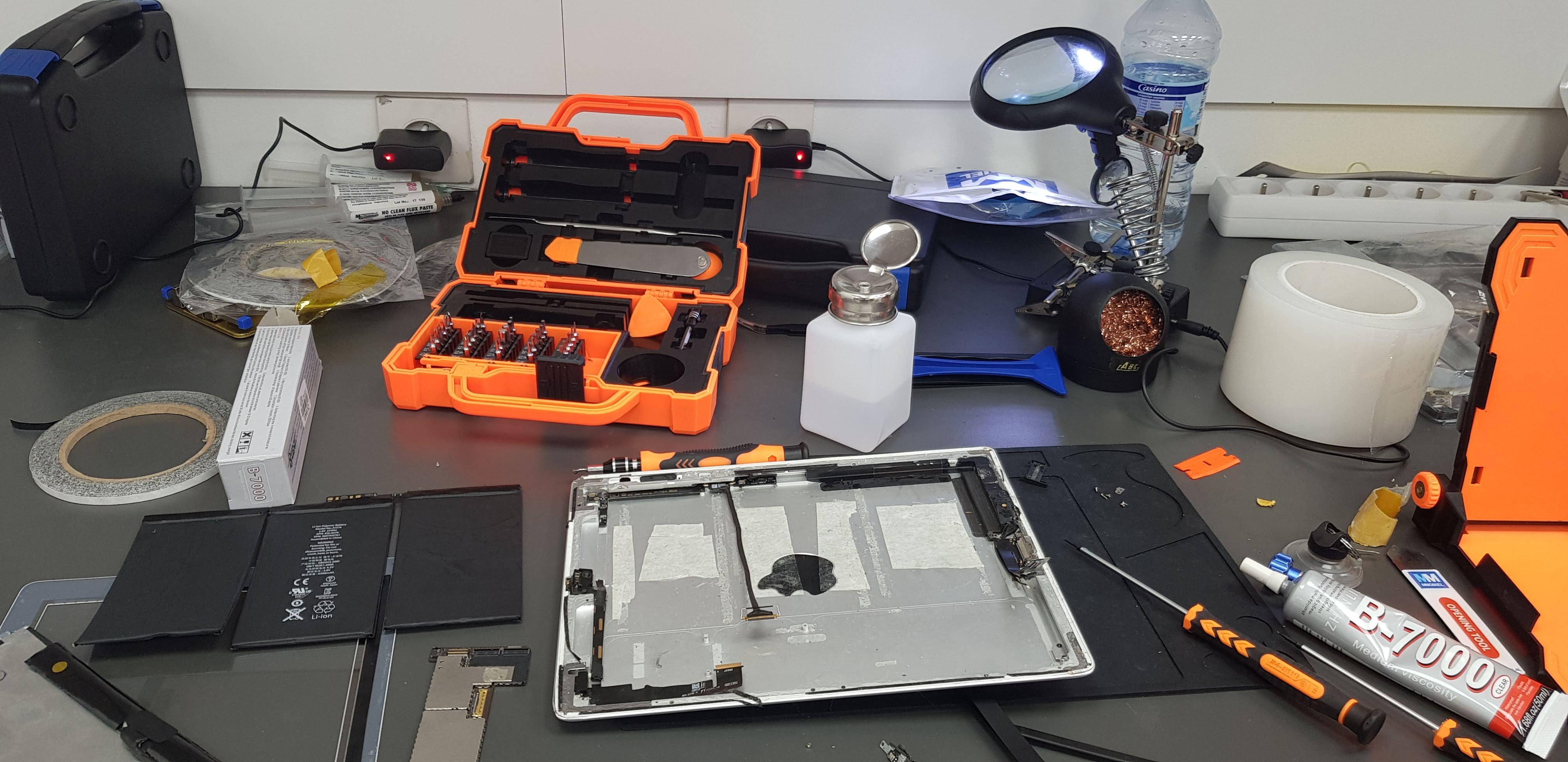 Atelier de remplacement de batterie pour tablette numérique à Nice